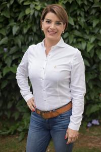 Profa. Dra. Priscilla Soares