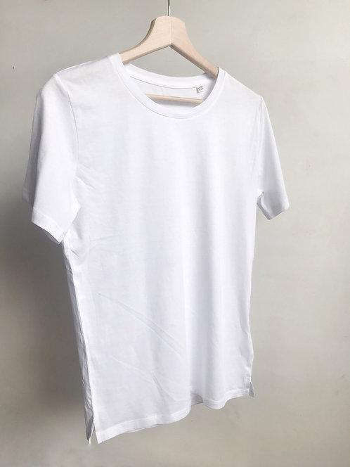 Tee-shirt personnalisé avec vos mots brodés à la main