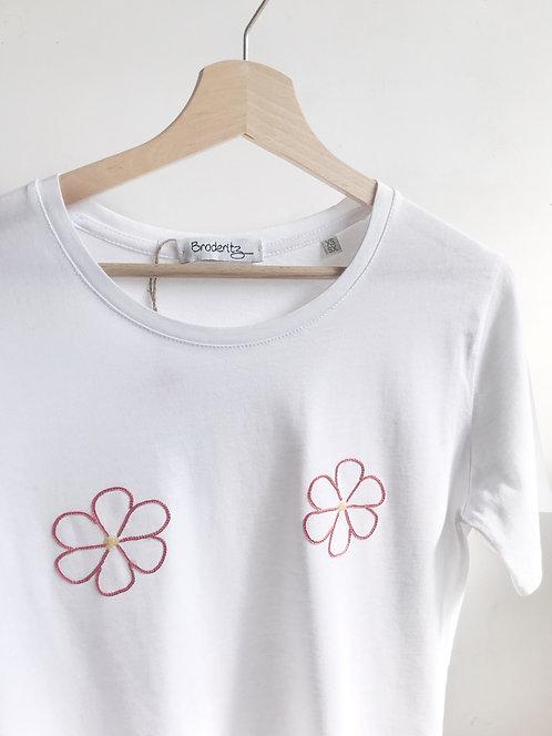"Tee-shirt ""2 fleurs"" brodé à la main"