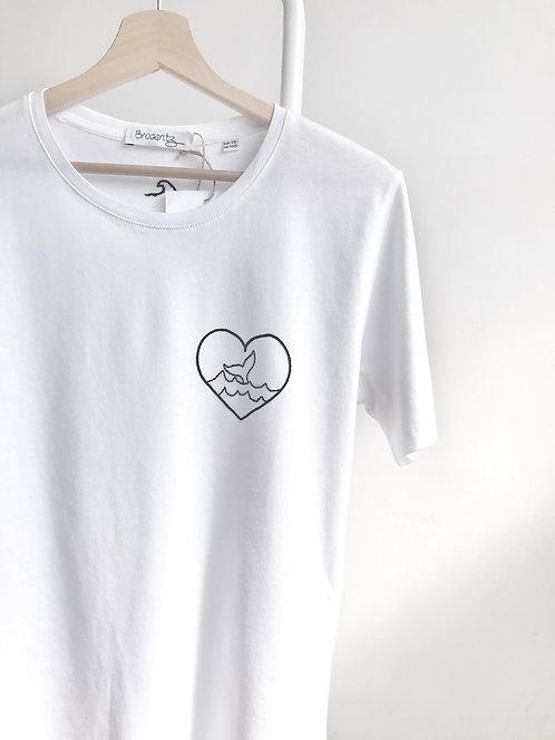 """Tee-shirt """"Cœur baleine"""" brodé à la main"""