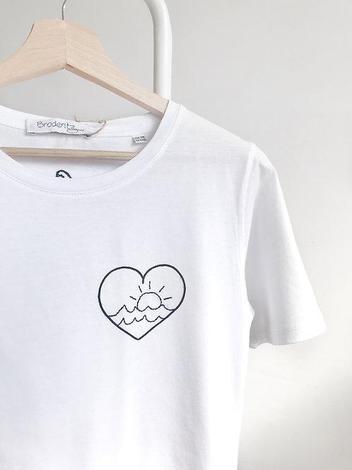 """Tee-shirt """"Cœur soleil"""" brodé à la main"""