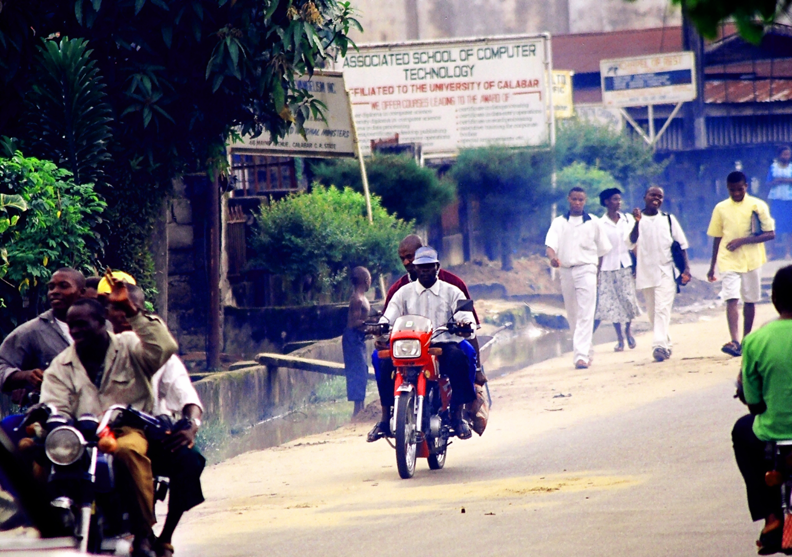 27-Nigeria-Calabar-Street Scene GS