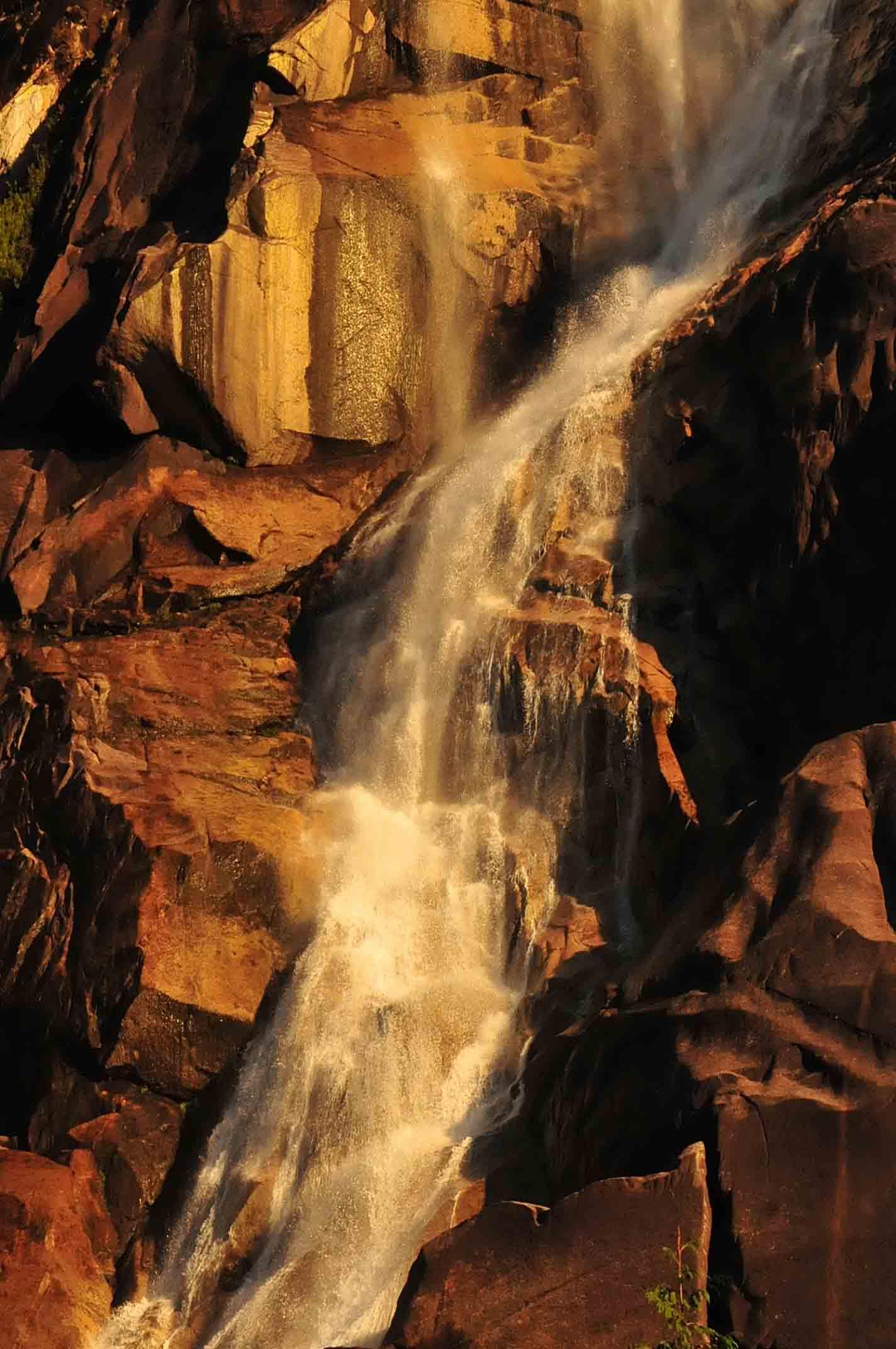 Washington-Shannon Falls 3COLOR REPLACE  GS