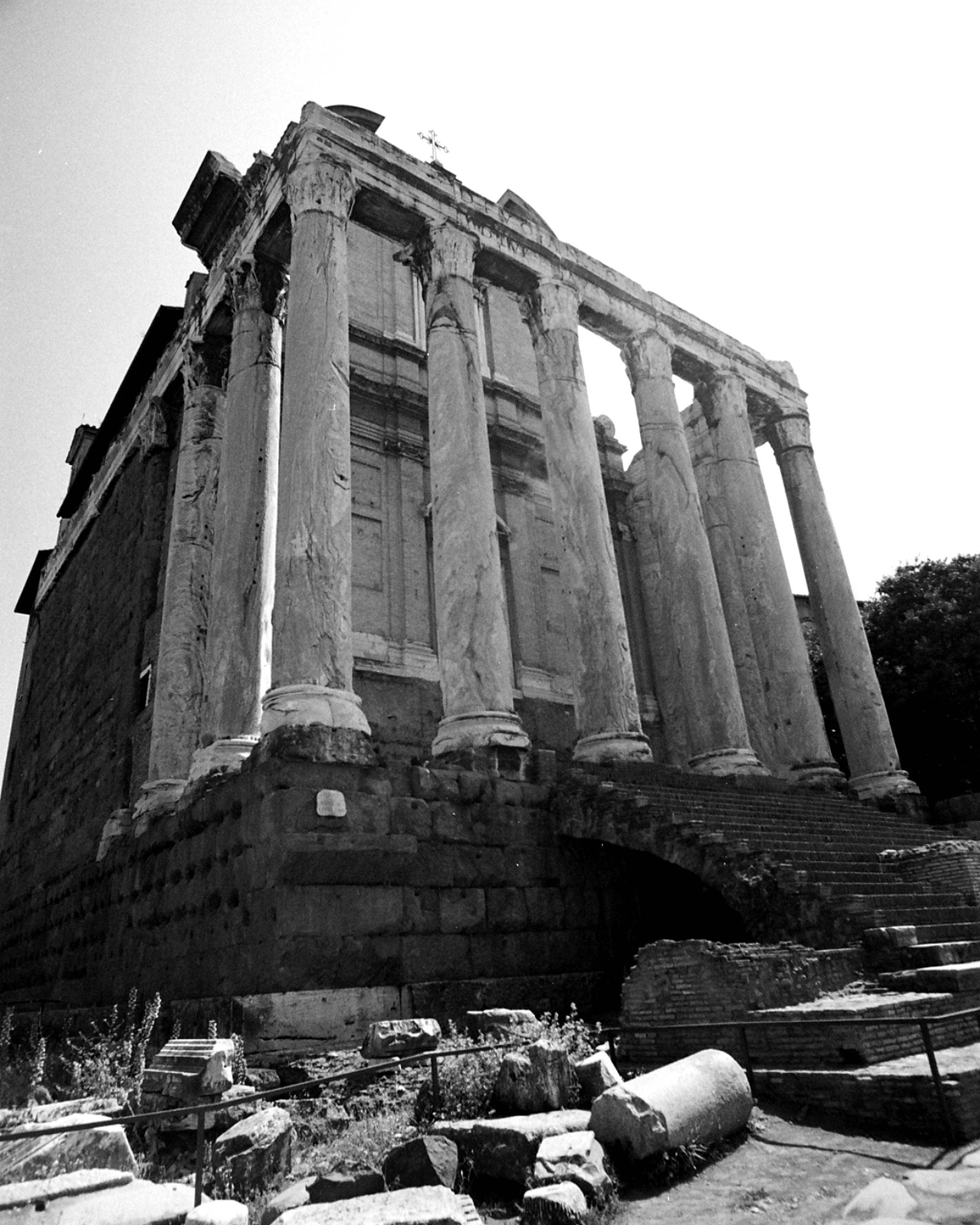 90- Rome-Ancient Temple BW