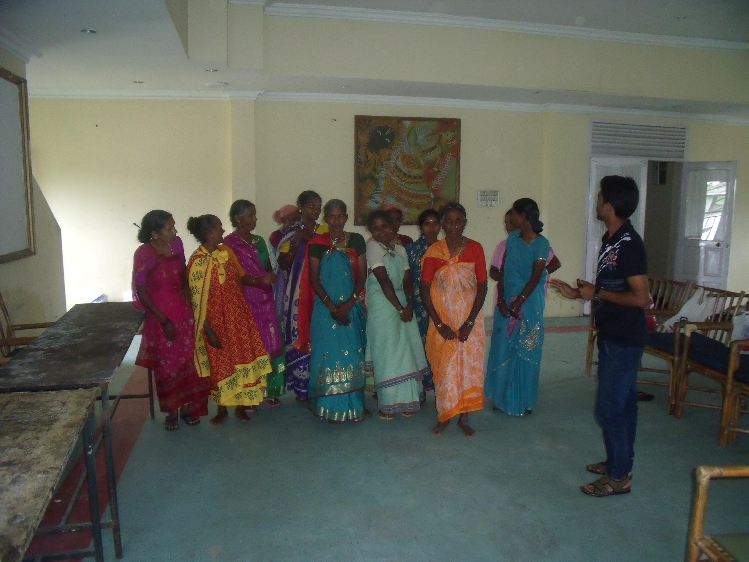 Mele Muthuvan Women