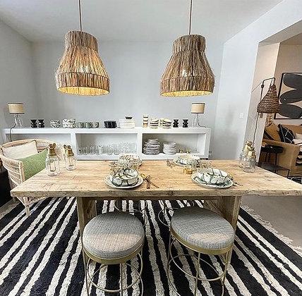 Table à manger en bois brut