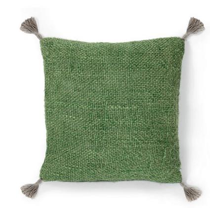 Housse de coussin vert avec pompons 45x45cm