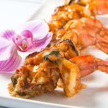 Shrimps with red curry sauce