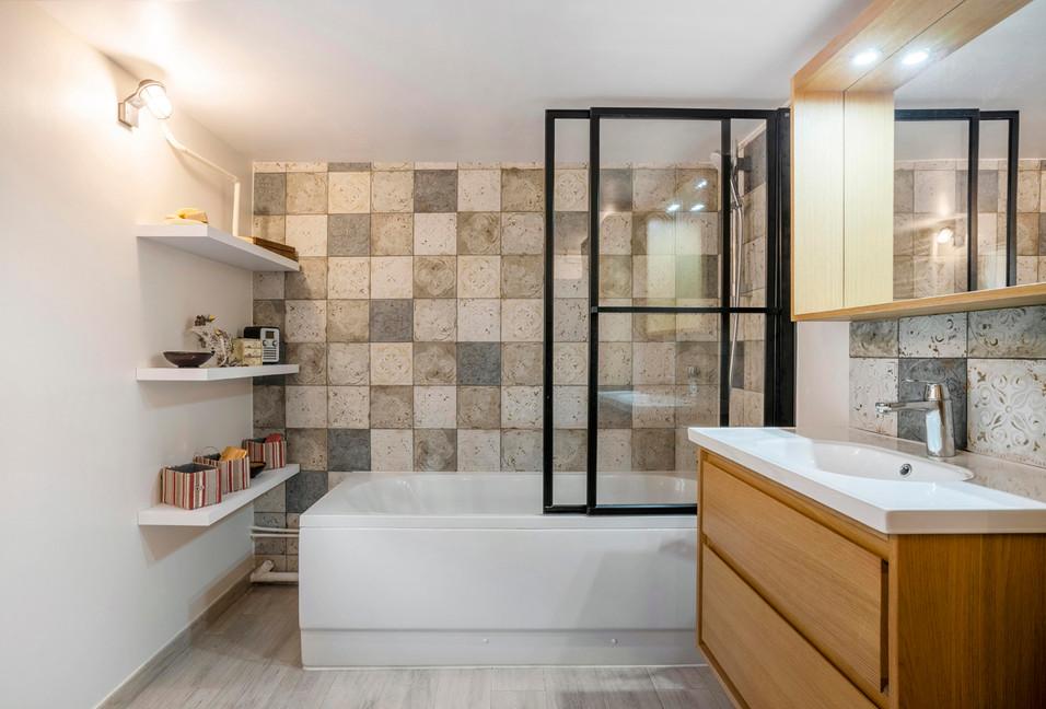 Salle de bain pare-bain