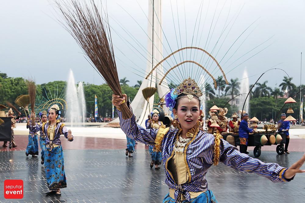 HUT TMII Gelar Pawai Budaya Nusantara (4).JPG