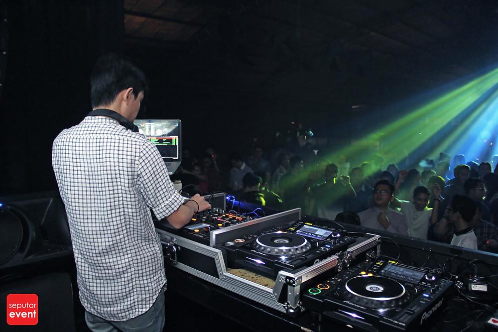 Foundry No. 8 Presents DJ Tanzel (6).JPG