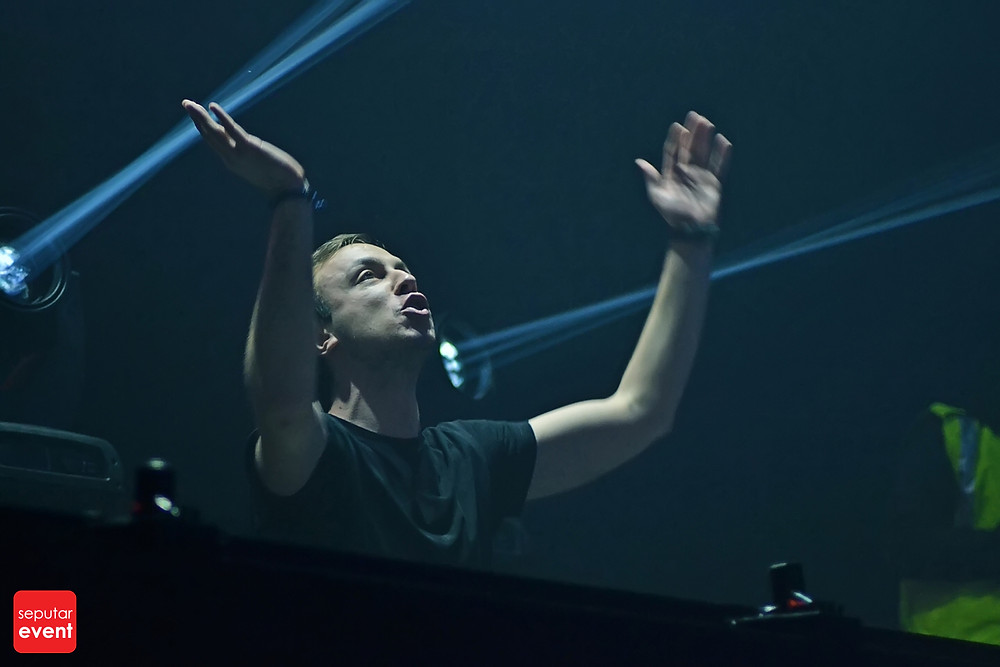 Cirque D'Colosseum with Andrew Rayel (20).JPG