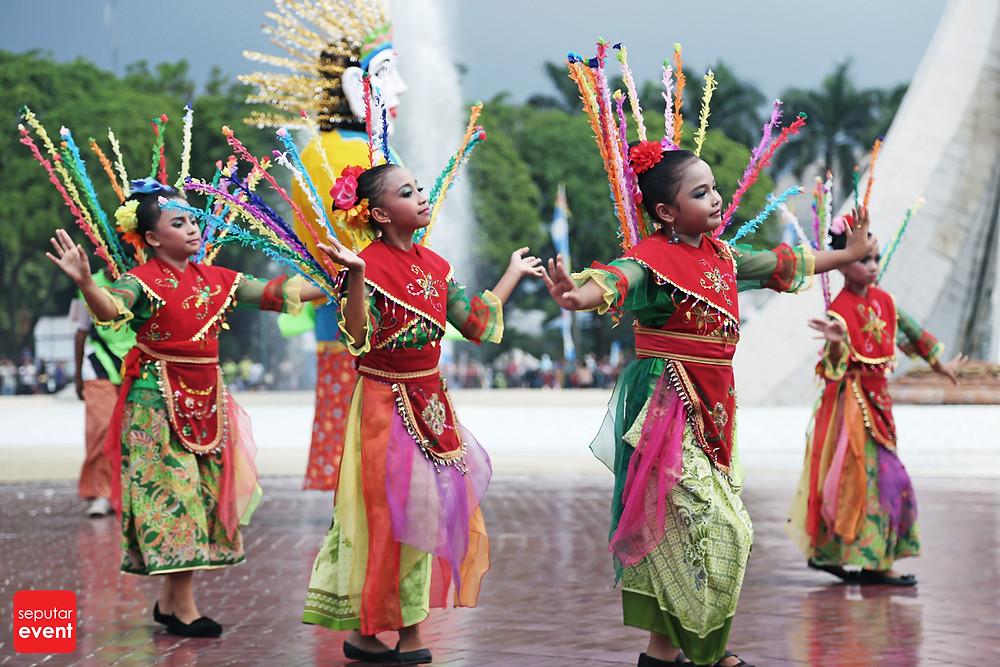 HUT TMII Gelar Pawai Budaya Nusantara (6).JPG