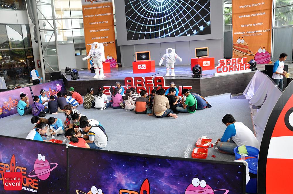 Space Adventure Mobile Planetarium_2.JPG