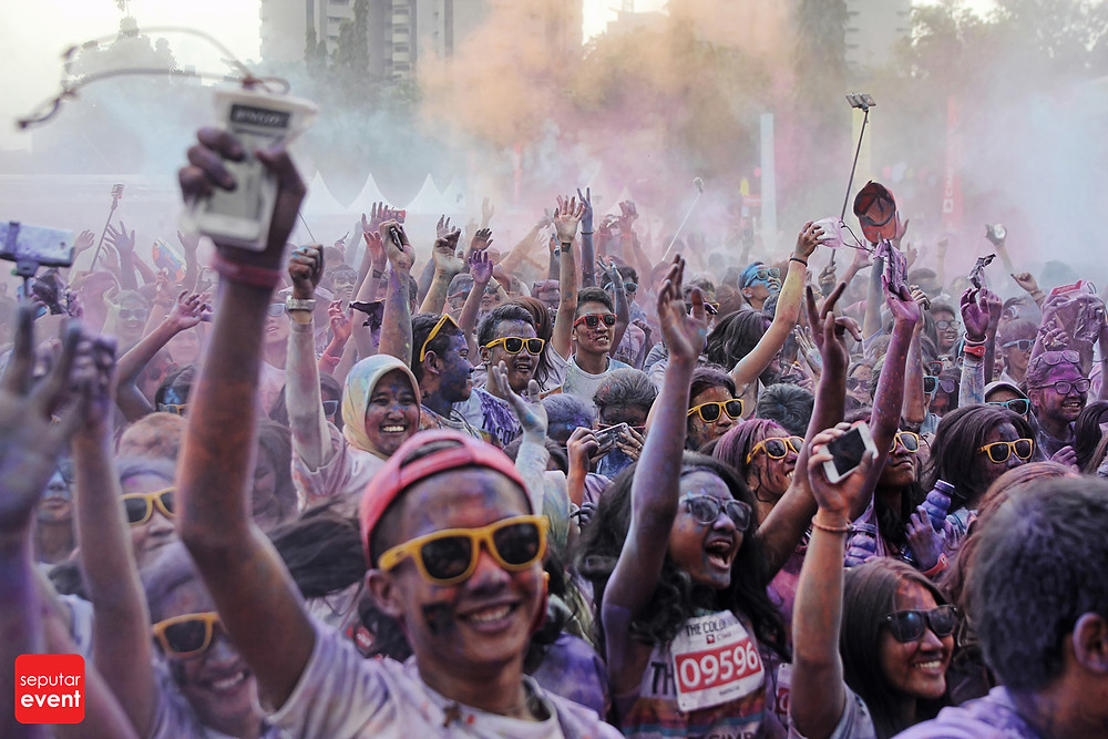 The Color Run; Run Never Been This Fun (19).JPG