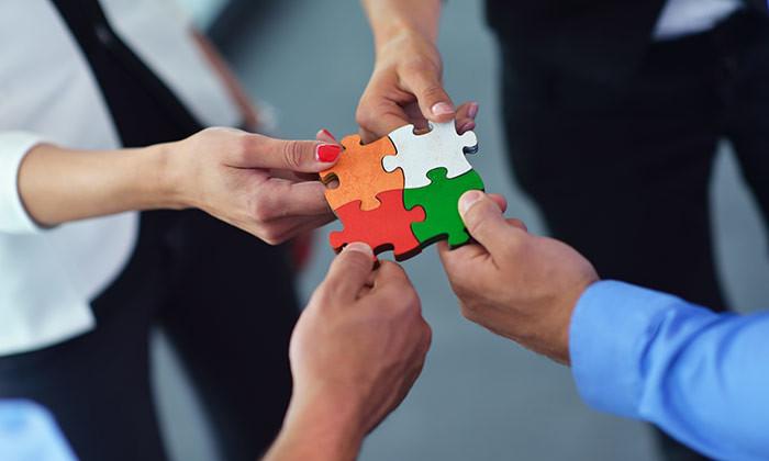 Sumber: http://www.humanresourcesonline.net/tips-choose-good-team-building-vendor/