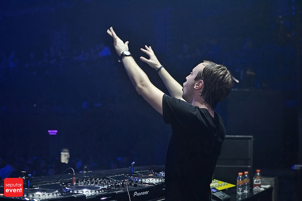 Cirque D'Colosseum with Andrew Rayel (9).JPG