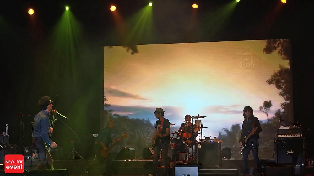 Slank Bawakan Lagu Daerah di Indonesia WOW Concert (5).JPG