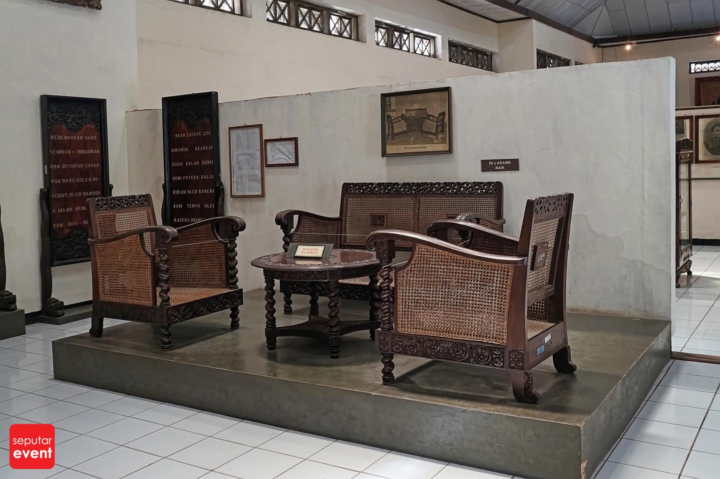 Menghabiskan Sore di Museum Kartini (7).JPG