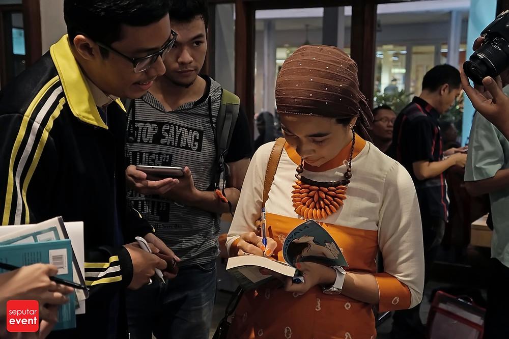 Penulis (Perempuan) Indonesia di Pentas Dunia (7).JPG