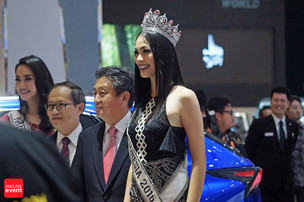 Putri Indonesia 2016 Semarakkan 'Opening Booth' Lexus di GIIAS 2016