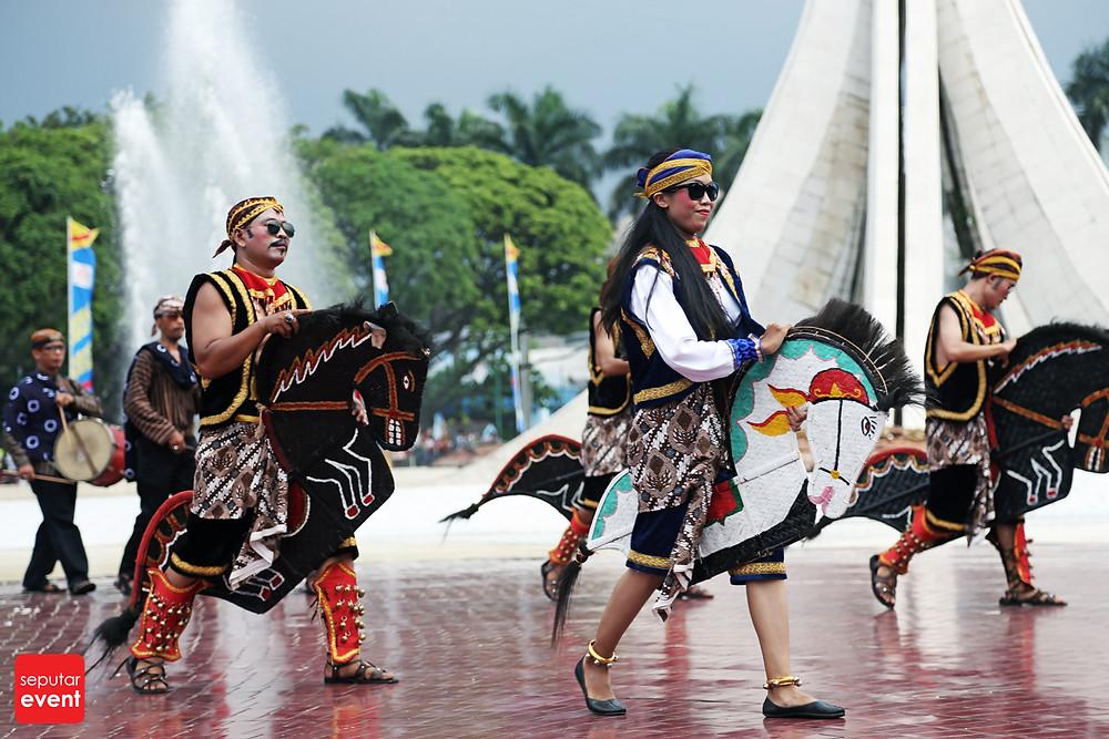 HUT TMII Gelar Pawai Budaya Nusantara (5).JPG