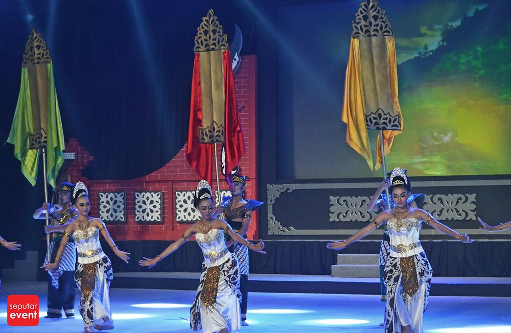 Purna Drama Ciung Wanara Tutup Perayaan HUT TMII (8).JPG