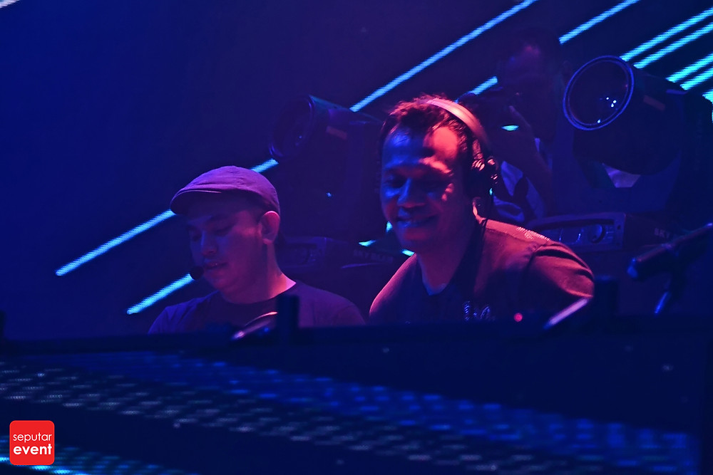 Cirque D'Colosseum with Andrew Rayel (19).JPG