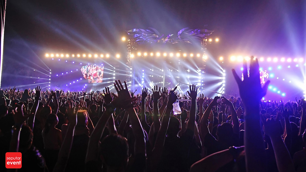 Djakarta Warehouse Project 2014; Rumble and Bustle (19).JPG