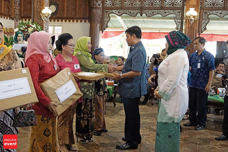 Resepsi Hari Kartini ke-136 (2).JPG