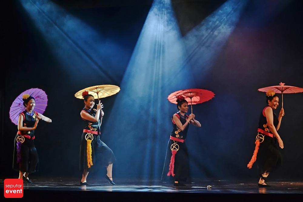 Teater Legiun Persembahkan Chang Bersaudara (1).JPG