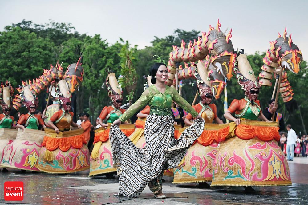 HUT TMII Gelar Pawai Budaya Nusantara (10).JPG