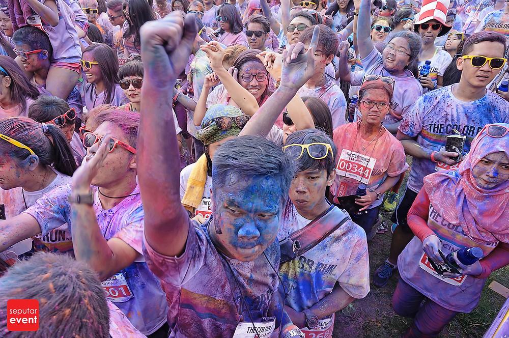 The Color Run; Run Never Been This Fun (3).JPG