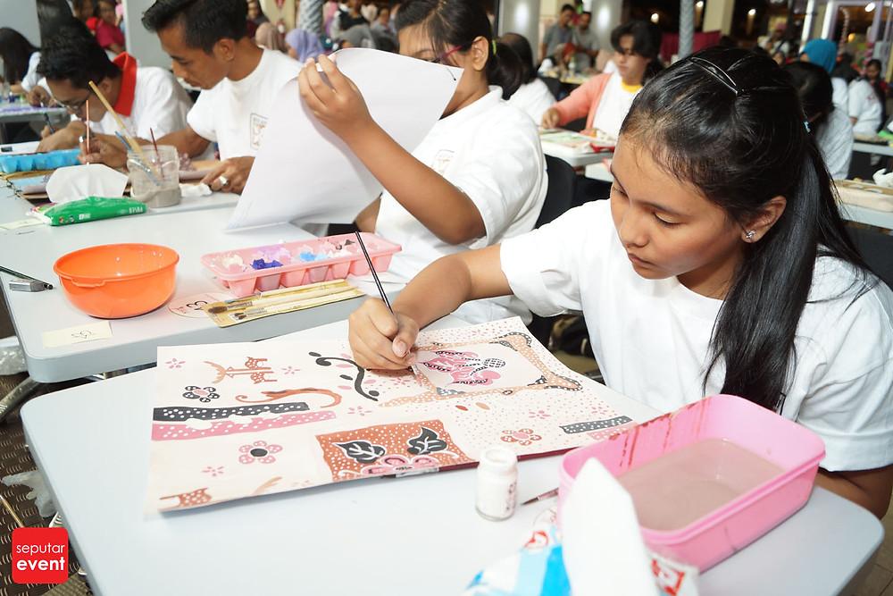 Pre-Event Bogor Fashion Food Festival 2015 Gelar Lomba Desain Motif Batik (4).JPG