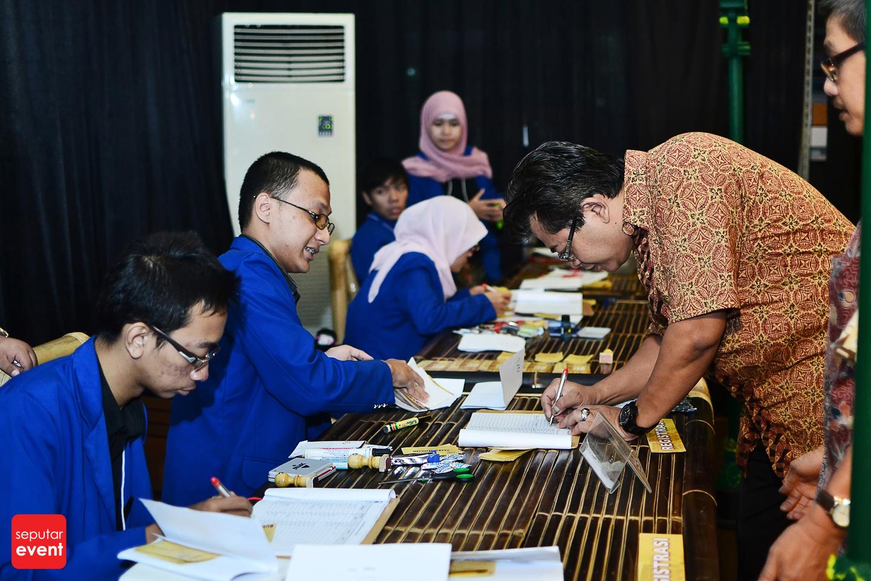 alumni-fhuii-pulang-kampus (74).JPG