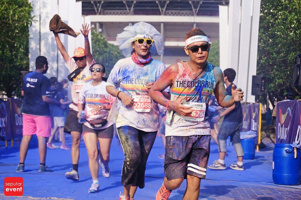 The Color Run; Run Never Been This Fun (2).JPG