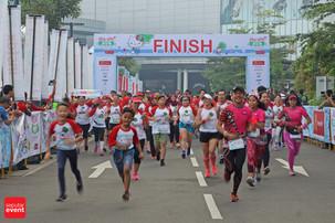 Lebih Dari 4.000 Orang Berlari Bersama Hello Kitty Di AEON Mall BSD