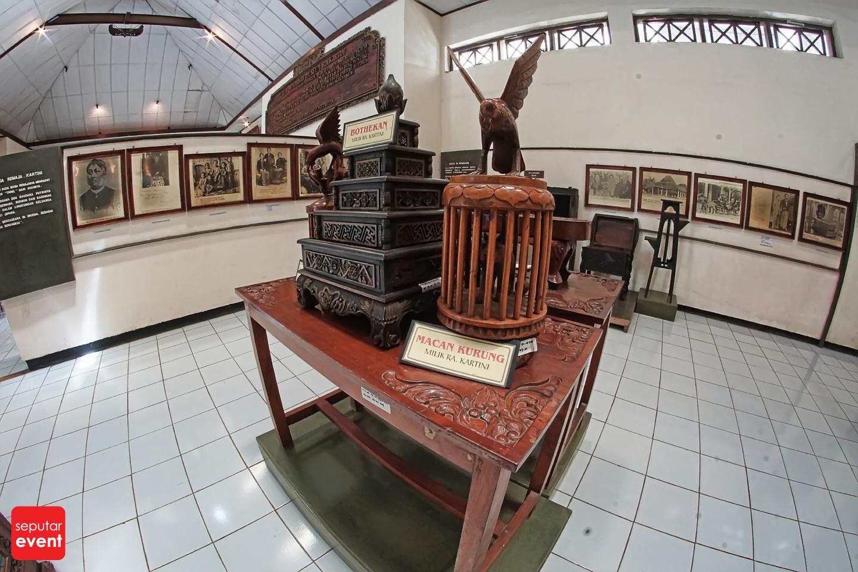 Menghabiskan Sore di Museum Kartini (3).JPG