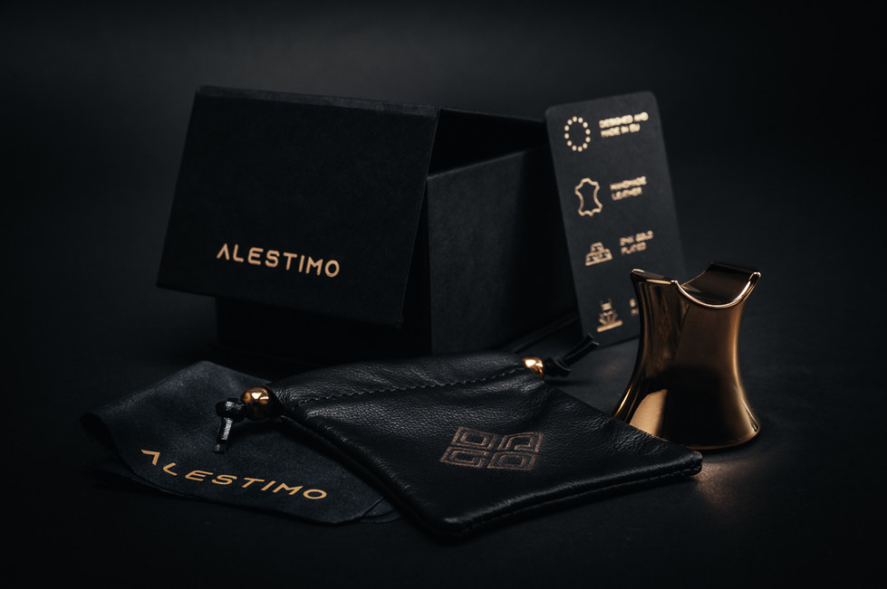 AlenfraProductions_Alestimo-cigar-stand__Z6A0487-Edit.jpg