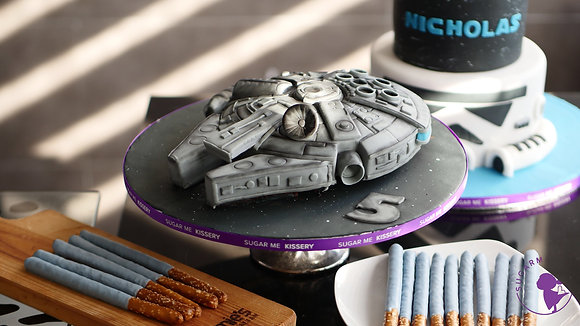 Sculpted Star Ship cake