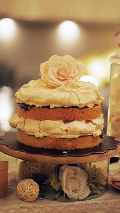 Rustic Pavlova Cake