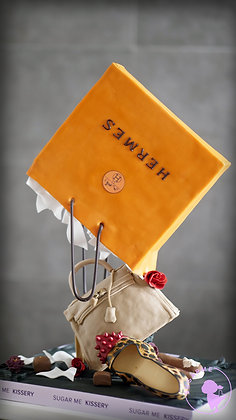 The Pouring Shopping Bag Cake