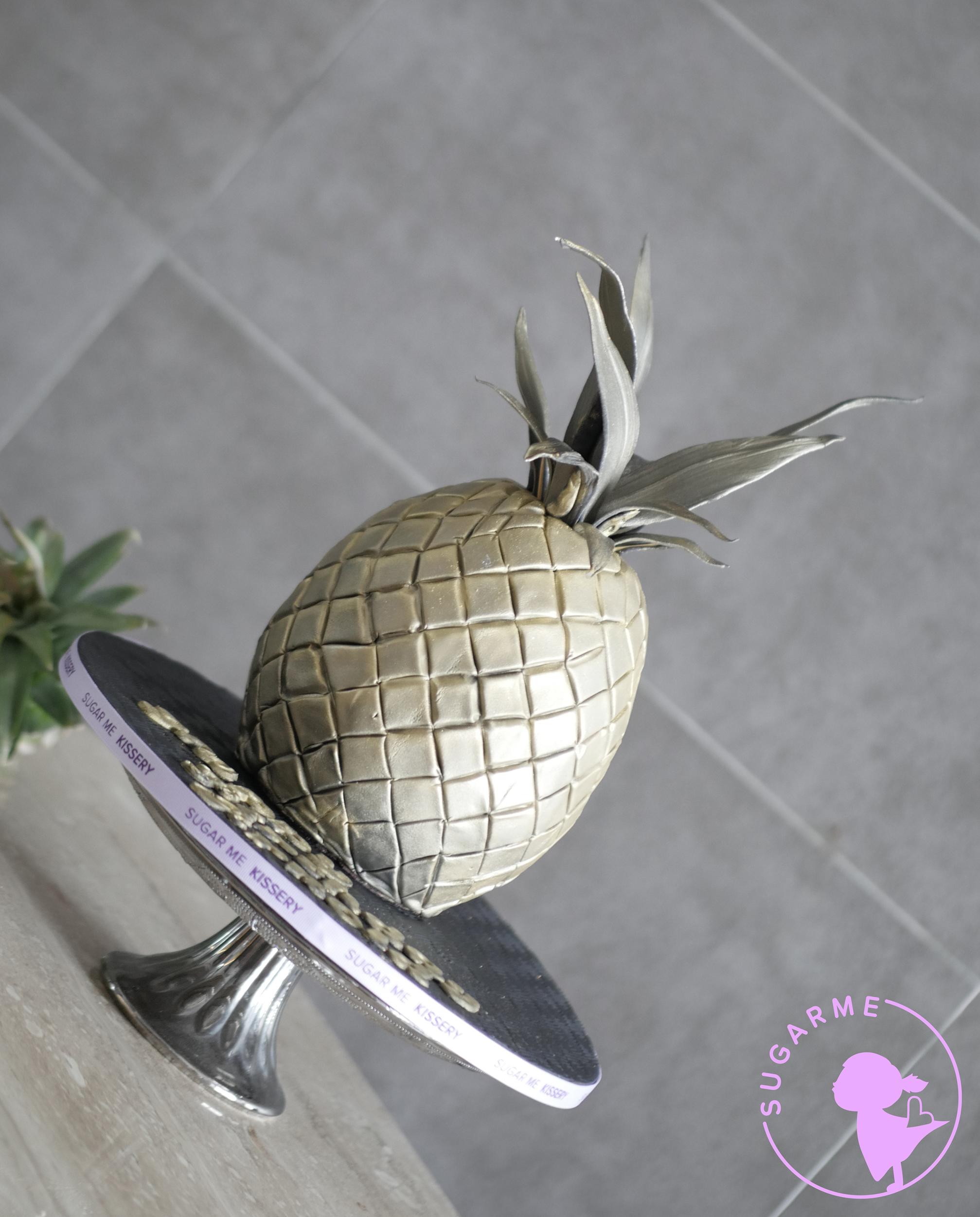 guys_pineapple