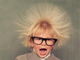 Birine Dokunduğunuzda Neden Hafif Bir Elektrik Çarpması Hissedebilirsiniz?
