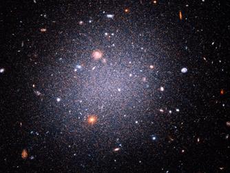 En Az Samanyolu Kadar Büyük ve Karanlık Madde Yoksunu Işık Galaksisi