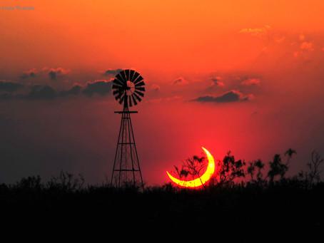 Teksas Üzerinde Kısmi Güneş Tutulması