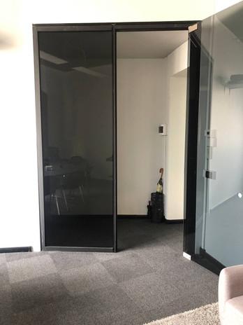 Sala presentazione co working ingresso privato.jpg