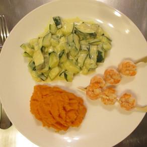 Brochettes de scampis, courgettes et patates douces