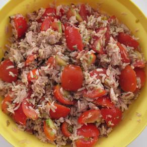 Salade de thon, riz et tomates