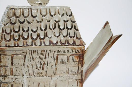 Teapot Detail